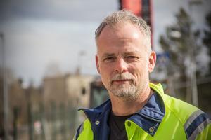Den globala fastighetschef Christer Jönsson är med och lägger pusslet för det nya kontorslandskapet.