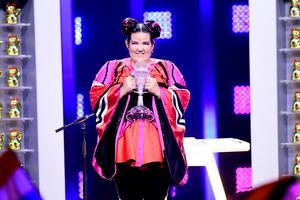 Netta från Israel vinner omröstningen i lördagens final i Eurovision Song Contest på Altice Arena i Lissabon.Foto: Stina Stjernkvist / TT