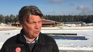 Mikael Teurnberg berättar om turerna bakom att få isen perfekt.