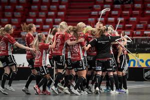 Kais damer jublar under ett av målen i fjolårets SM-final. Blir det jubel hela vägen nästa säsong?