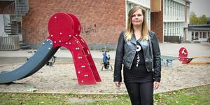 Elenor Bengtsson har som vuxen fått bearbeta åren av psykisk och fysisk terror under skolgången.