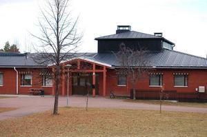 Morkarlbyhöjdens skola ska spara 1,7 miljoner kronor fram till december 2020. Arkivbild.