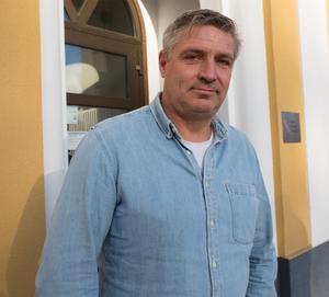 Kommunalrådet Lars Isacsson (S) tror att utvecklingen i Krylbo är på väg åt rätt håll.