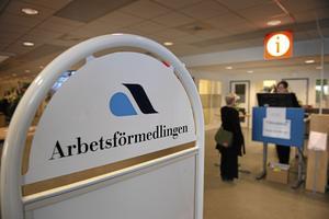Gävleborg förlorar hälften av sina arbetsförmedlingskontor när dagens 10 kontor ska bli 5, skriver insändaren.