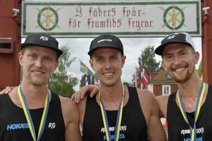 Tre löpare från Ockelbo SK slutade topp fem i Ultravasan 90. Från vänster: Johan Lantz, Joacim Lantz och Elov Olsson.