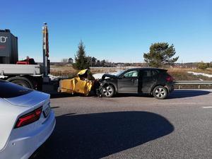 Den 12 februari körde en personbil i hög fart rakt in i en av de tre TMA-lastbilarnas kudde. Foto: privat