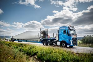 Hur ser ett vinkdraftverks miljöpåverkan ut, bland annat transporterna till monteringsplatsen? undrar signaturen
