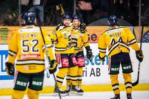 Ludwig Blomstrand firar efter sitt 0-2-mål. Bild: Maxim Thoré, Bildbyrån.