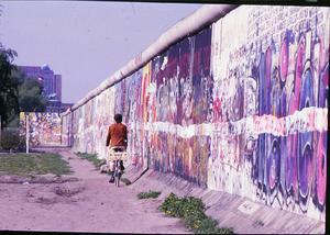 En cykeltur längs muren. Foto: Lasse Halvarsson