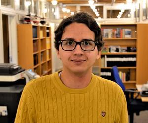 André Holmsten, 21 år, arkivbiträde, Allsta.
