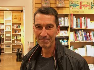 ÖB Micael Bydén ville träffa Leif Östling.
