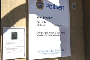 Den polisiära närvaron i Smedjebacken är sedan många år begränsad till fyra kontorstimmar i veckan.
