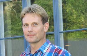 Adam Persson är tf kultur- och fritidsdirektör sedan Cecilia Möller slutade i somras och en av två slutkandidater när tjänsten ska tillsättas.