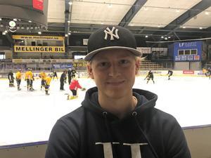 Calle Ehrnberg är hemma i Sverige igen. Anledningen till att han valde VIK var mycket tack vare att han trivdes i klubben och med tränare Thomas Paananen senast han var här.