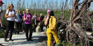 21 personer deltog i skogskursen för tjejer, som anordnades av SLU.