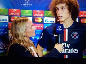 Tisdag, Parc de Princes: David Luiz, en av hjältarna och på strålande humör, även om det inte syns på bilden.