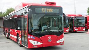 Norrtälje stad blev i fjol först i landet med enbart elbussar i stadstrafiken. Bussarna har fungerat mycket bra, och nu tycks elbussar för stadstrafik få sitt stora genombrott. Det är mycket glädjande både för klimatet och för stadsmiljön.