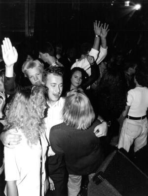 1992 var onsdagar den stora nöjeskvällen i Östersund enligt en artikel i ÖP. After Eight (som hade tagit över gamla Saga-biografen) och Stadskällaren (som låg i de lokaler där nu BBQ garden finns) var de stora konkurrenterna på dansmarknaden i stan.