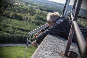 Det var inte lika roligt att vara uppe på Mimerlavens tak i vintras berättar Börje Nordlander. Då var det