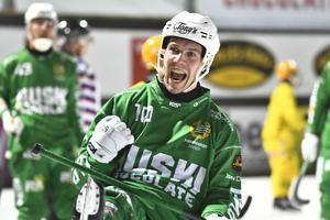 Ted Bergström jublar efter sitt 7–0-mål mot Åby/Tjureda. Bild: Claudio Bresciani / TT