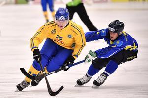 Erik Pettersson spelade bara första halvlek mot Kazakstan. Foto: Björn Larsson Rosvall / TT