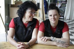 Eva och Zehlina Åkerman driver butiken i Linsell: