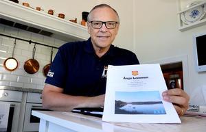 Anders Mjärdsjö (M) hoppas att Ångemoderaternas dokument om vision, värdegrund och övergripande mål ska öppna ögonen för framtidstankar i ställer för att hålla fast vid slentrianmässiga formuleringar.