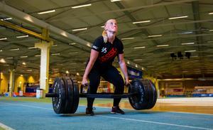 Felicia Johansson är en av spelarna som sticker ut styrkemässigt – men hon längtar in i innebandyhallen.