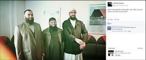På bilden syns Abdel Nasser ElNadi till vänster och Abo Raad till höger. I mitten står Ahmad Quadan som förra året dömdes i hovrätten till sex månaders fängelse för att offentligt ha uppmanat till terroristbrott och att ha bett andra att ansluta sig till terrororganisationer samt att skänka pengar som skulle användas för att köpa vapen.