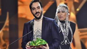 Levan Akin får priset för bästa manuskript i filmen