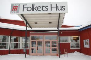 Folkets hus i Strömsund är en av flera samlingslokaler som kommunledningen stänger för allmänna sammankomster.