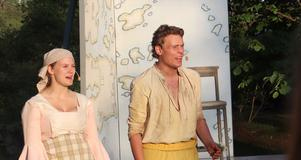 Elin Söderholm och Palle Andrén i en scen ur