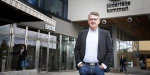 Håkan Buller (S) är ordförande i Södertäljes stadsbyggnadsnämnd. Stadsbyggnadesnämndens överklagade gällande en upphävd byggsanktionsavgift avslås av Mark- och miljööverdomstolen. Foto: Pressbild.