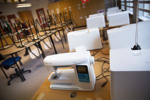 Också syslöjdssalen på Hansåkerskolan har utrustats med ny utrustning.