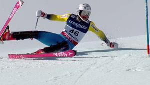 Felix Monsén gick omkull i andra åket.