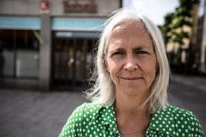 Faluns kommundirektör Pernilla Wigren har tilldelats uppdraget att omförhandla kommunens hyresavtal med Lugnet i Falun AB.