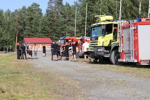 De norska brandmännen var utvilade och redo men fick invänta order i nio timmar i det eldhärjade Sverige.