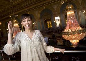 Programledaren Carina Berg, aktuell med nya säsongen av