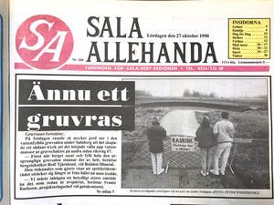 SA 27 oktober 1990. Nyfikna vallfärdade till rasplatsen.