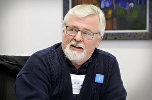 Bo Grafström (Kd) menar att man borde ha motat Olle i grinden och anpassat organisationen efter intäkterna.