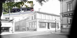 1936 låg Möbelproduktion vid Slottstorget på Södra Kungsgatan 3 där Sarahs och Terrassen ligger i dag.  Gamla bilden: Ateljé Carl Larsson/Länsmuseet