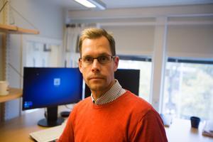 Kammaråklagare Joakim Johansson hänvisade till en dom i Högsta domstolen, när har polisanmälde Thomas Larkin.