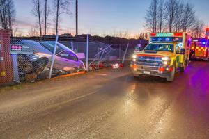 Räddningstjänst, ambulans och polis larmades till platsen.