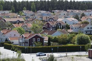 Många småhusområden är byggda för 50-70 år sen och fungerar utomordentligt väl. De har en för invånarantalet väl avpassad infrastruktur. FOTO: Fredrik Sandberg/TT