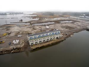 Det gamla fabriksområdet Karlit håller på att omvandlas till bostäder. De första nio radhusen är inflyttningsklara under våren 2020. Även verksamhetslokalerna som säljs på området har gjorts i ordning och flera är redan klara.