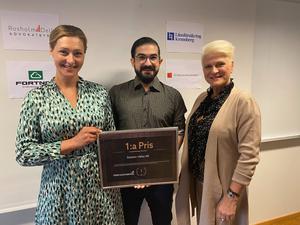 På torsdagen korades vinnaren i vårens innovationstävling. Från vänster syns Sandra Ruuda, Företagsfabriken tillsammans med Pooya Yousefi och Birthe Björkenstock, Solution Valley.