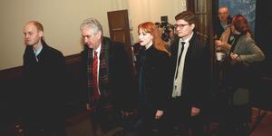 Cissi Wallin på väg in i rättssalen. Foto: Fredrik Persson