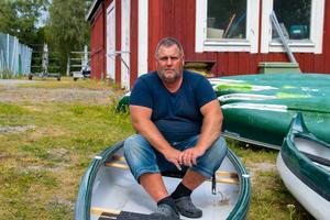 Thomas Persson är fastighetsskötare på Ljustrops IF och sköter bland annat kanotuthyningen.