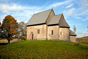 Suntaks gamla kyrka uppfördes under 1100-talets första hälft. Den har alltid ansetts mycket värdefull men nu höjs statusen ytterligare.