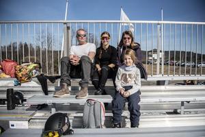 Dennis Andersson, Mirelle Andersson, Kyrkdal och Lillemor Barnerud och 7-åriga Tyra Barnerud, Strömsund.